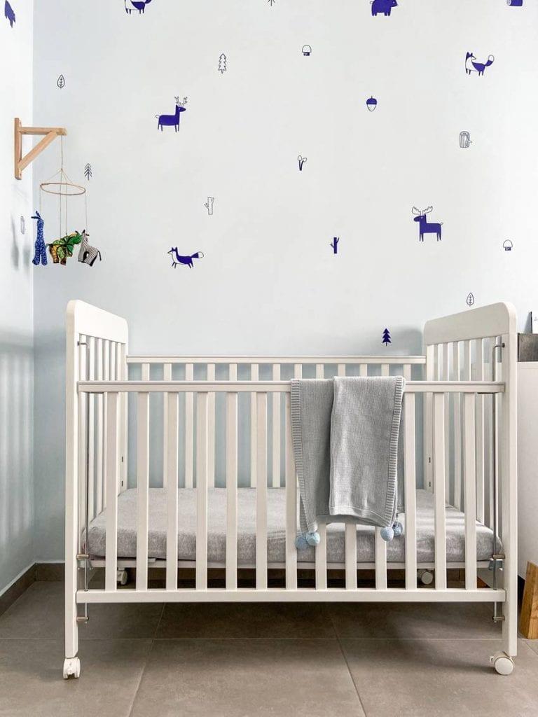 מיטת תינוק בעיצוב חדרי ילדים
