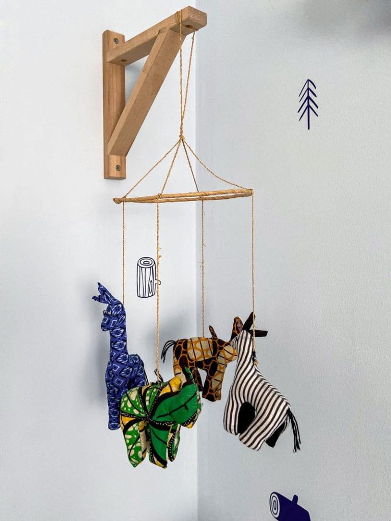 מובייל חיות מבד בעיצוב חדרי ילדים
