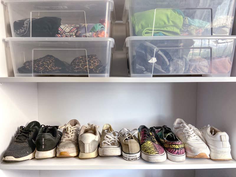 סידור ארון טיפים הכרחיים נעליים מסודרות וקופסאות אחסון