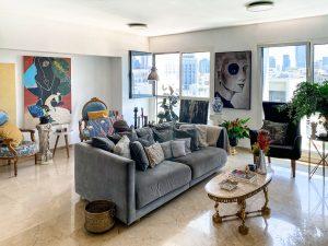 סיור בית: הדירה התל אביבית שתעשה לכם חשק לטייל