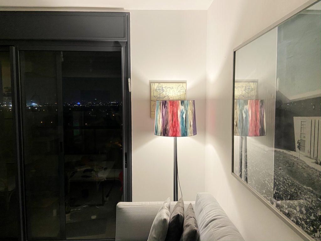 צבע זאת בעצמך: מייקאובר קליל ומהנה למנורה עומדת