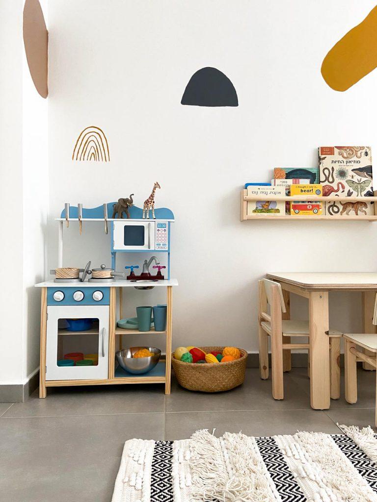 מטבחון שולחן רהיטי עץ חדרי ילדים