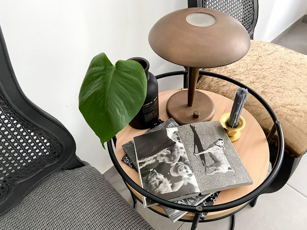 שדרוג כסאות ישנים לכסאות חדשים לגמרי בעזרת ספריי צבע