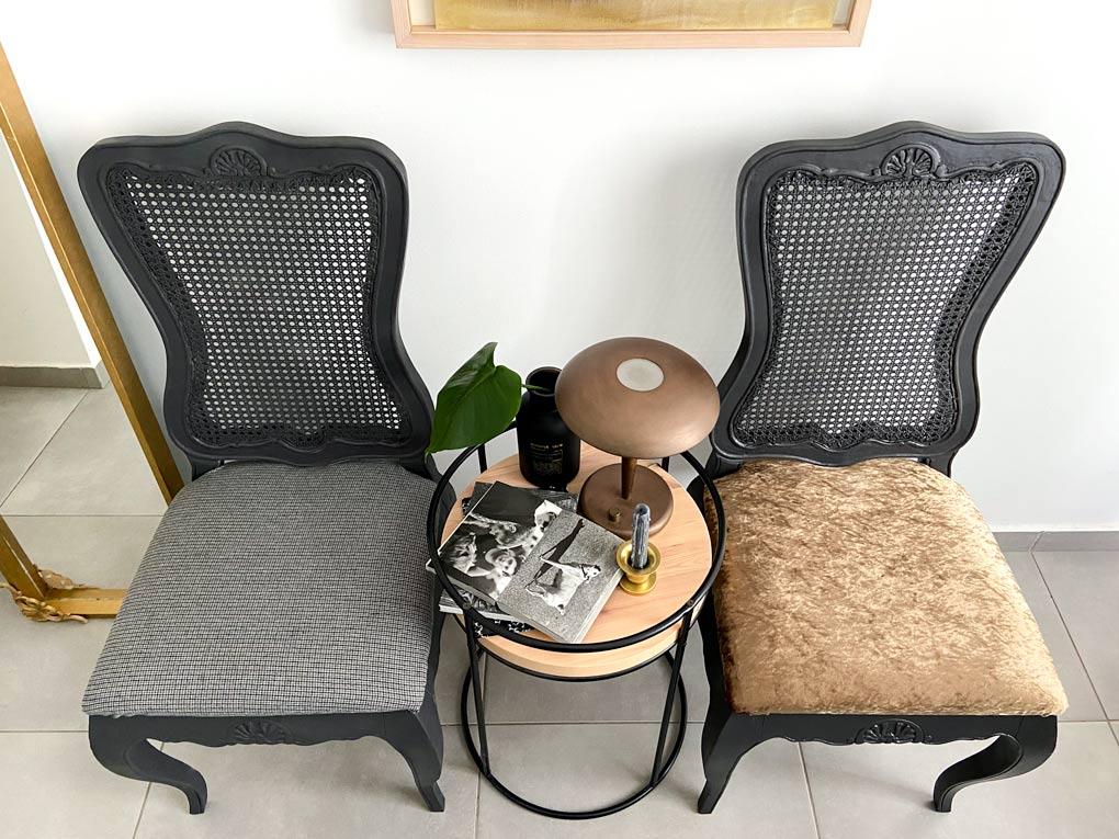 כסאות עתיקים בעזרת ריפוד חדש וספריי צבע הפכו לחדשים